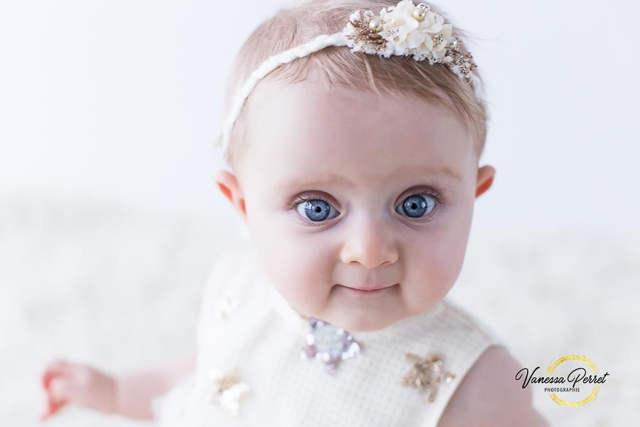 Séance photo bébé entre 6 et 9 mois à Albertville Savoie
